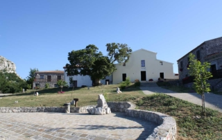Santuario-della-Madonna-del-Pollino-a-San-Severino-Lucano